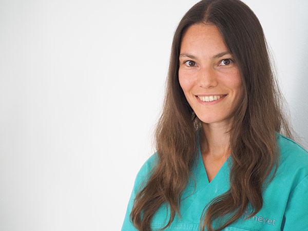 Dr. med. vet. FVH für Kleintiere Carol Schmid